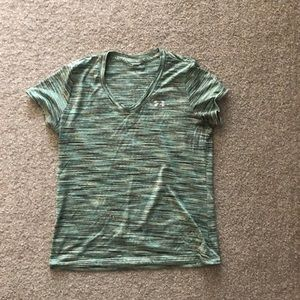 Under Armour Semi Fitted Heat Gear Tee